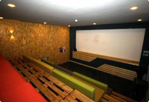 Кинотеатр в Кировске